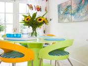 Dine In A Colorful Ambiance
